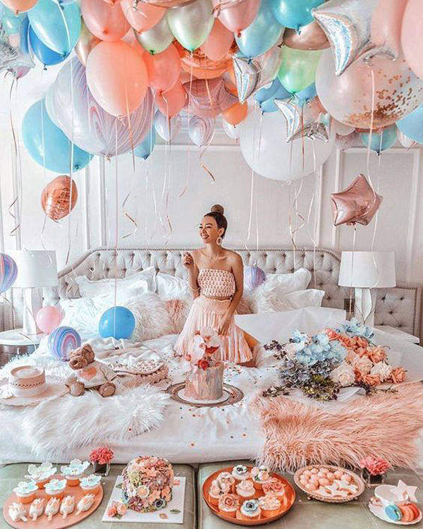 surprise-birthday-bedroom-decor-with-party-favors ...