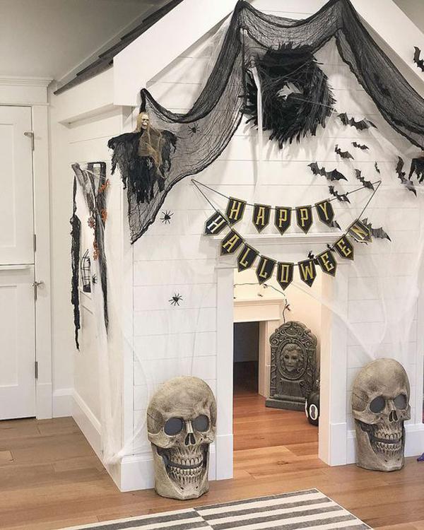 Halloween Home Design Ideas: Indoor- Halloween -play- House - Ideas
