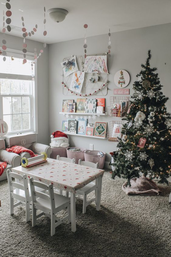 30 Fun And Cheerful Christmas Playroom Decorations