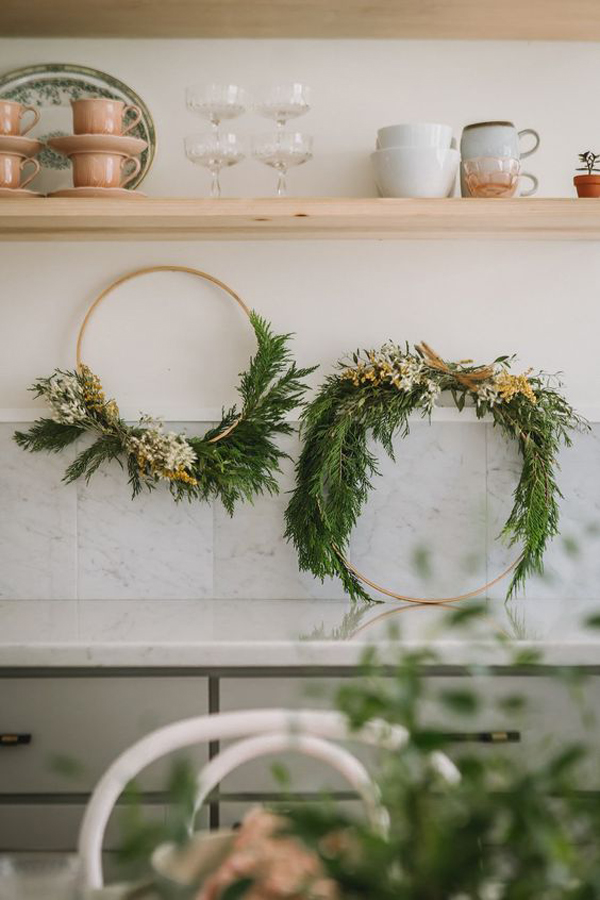 25 Fresh Ways To Greenery Holiday Decor Into Your Home