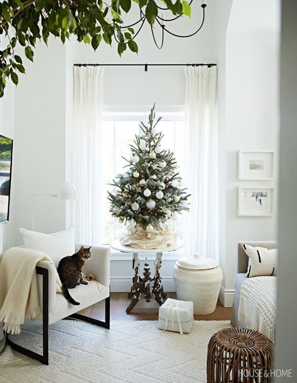 10 Genius Christmas Decor Ideas For Small Space