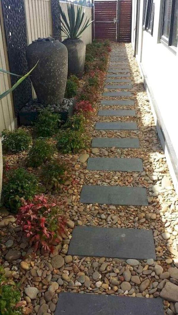 gravel-side-garden