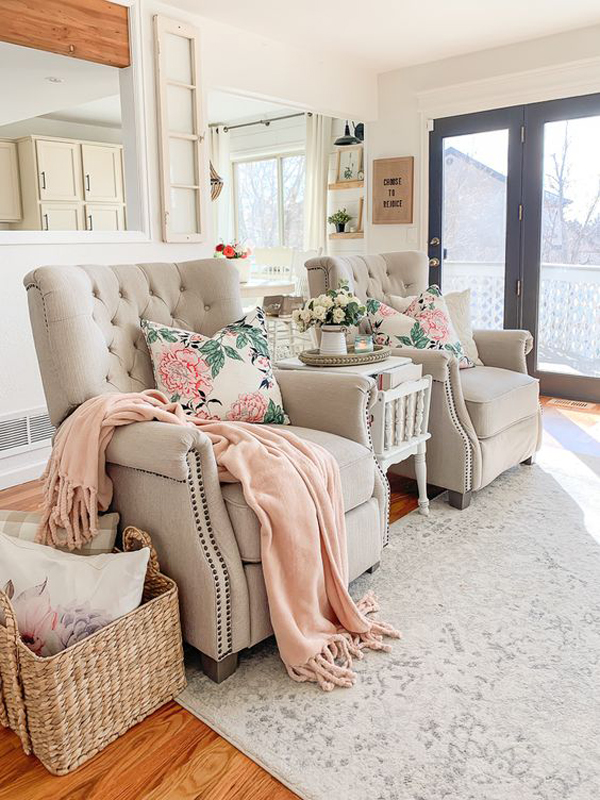 calming-spring-living-room-design