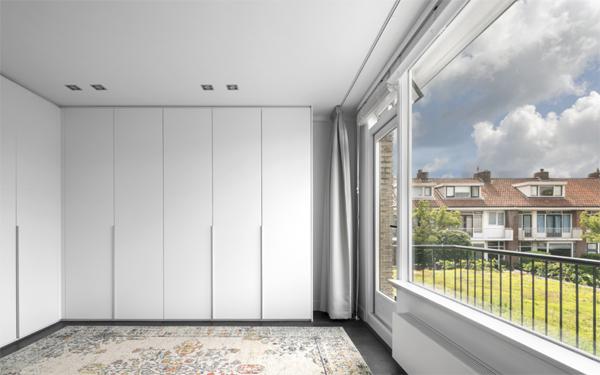contempory-open-balcony-design