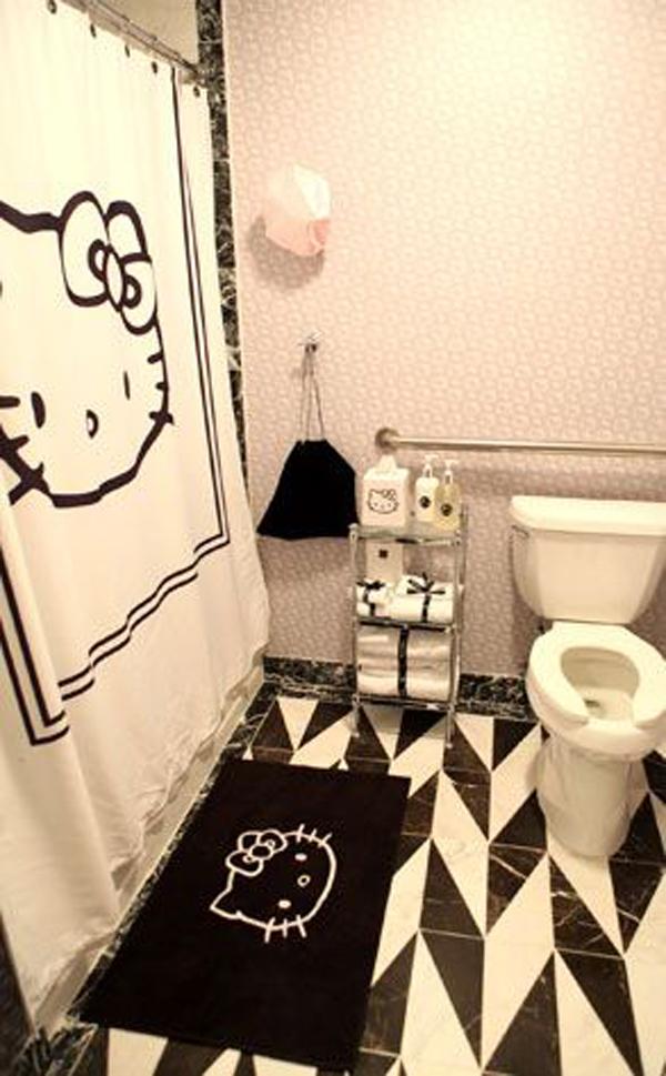 cool-hello-kitty-bathroom