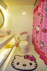 cute-hello-kitty-bathroom