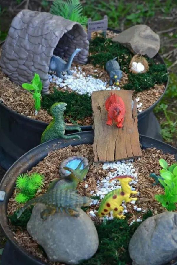 dinosaur-fairy-garden-decor