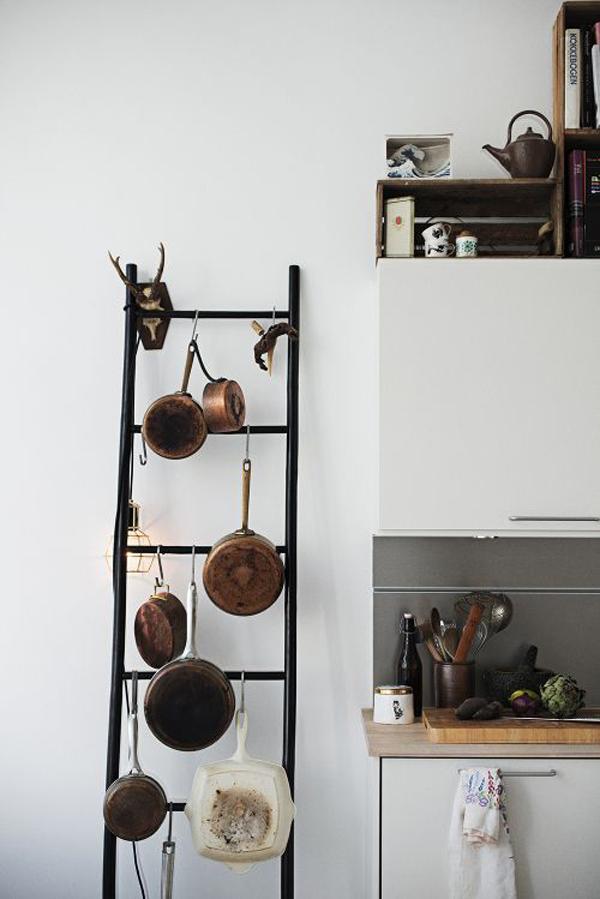 ladder-bathroom-shelf