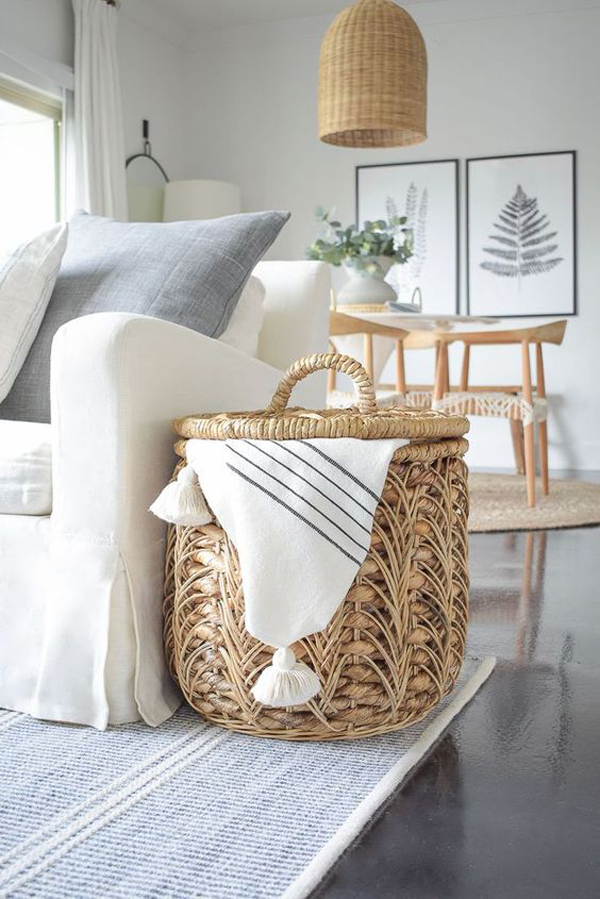 minimalist-spring-living-room-design-with-rattan-furniture
