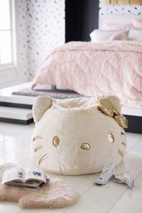 modern-hello-kitty-bedroom