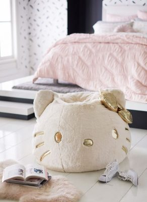 modern-hello-kitty-bedroom