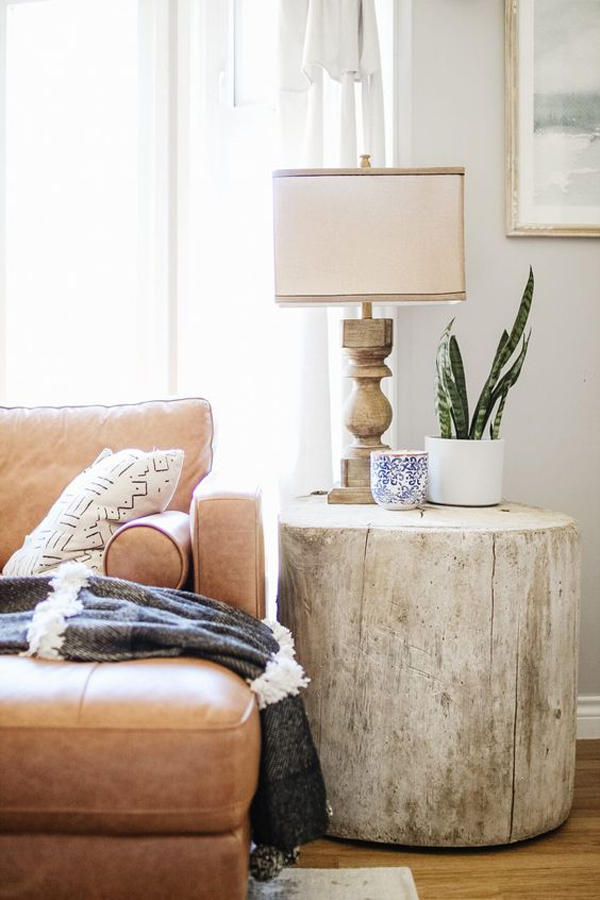 nature-spring-living-room-with-wooden-table-lamp