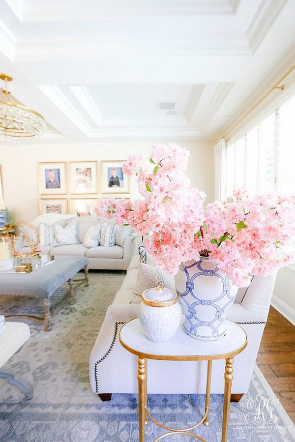 pretty-spring-living-room-with-floral-vases