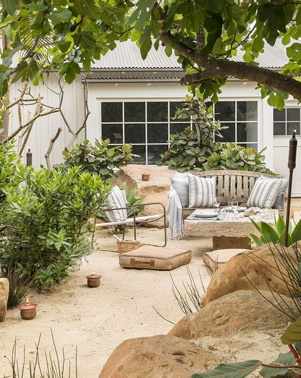 25 Beautiful Beach-Inspired Garden Ideas