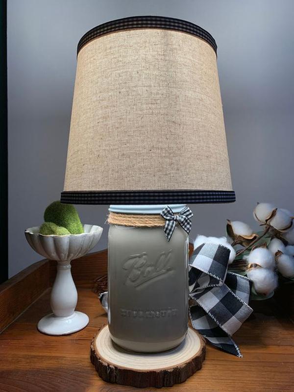 beautiful-diy-mason-jar-table-lamp