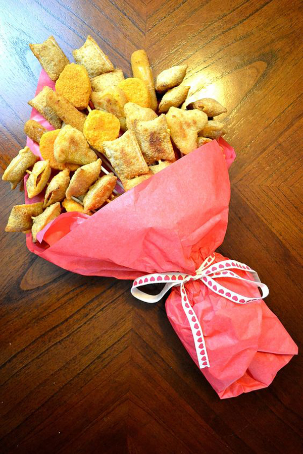 beautiful-food-bouquet-for-valentine-day-gift