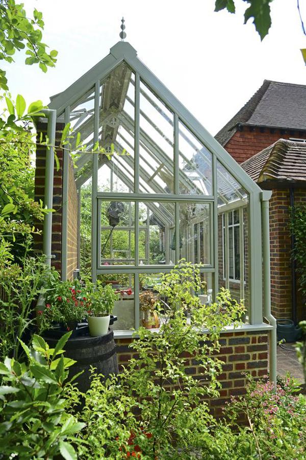 botanic-greenhouse-ideas-for-small-backyard
