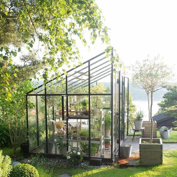 clever-glass-greenhouse-ideas