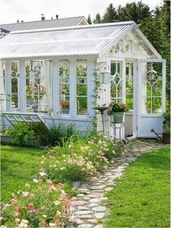 farmhouse-greenhouse-designs