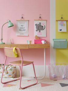lovely-pastel-study-desk-decor