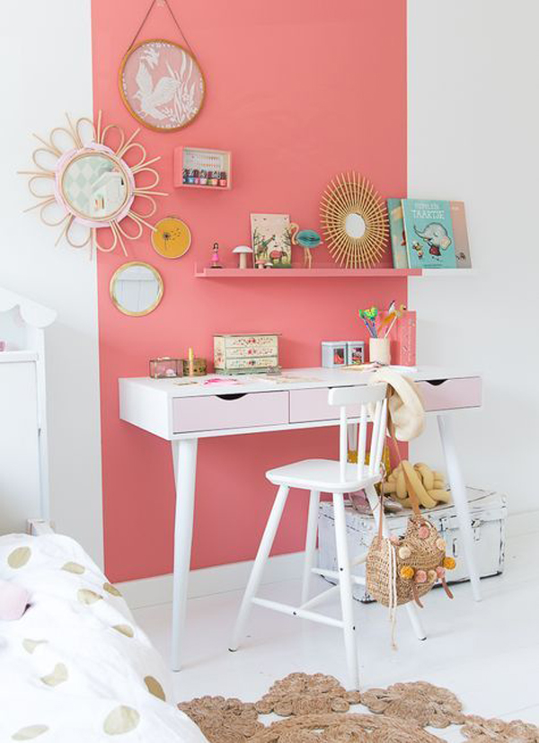 minimalist-study-desk-ideas-with-bold-wall-color