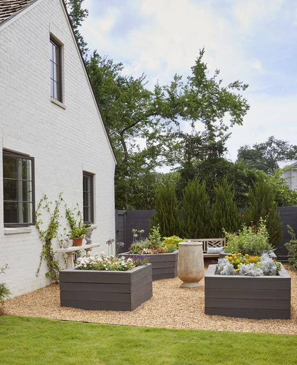 modern-raised-garden-bed-design