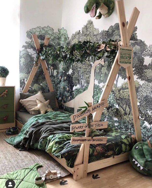 playful-boy-bedroom-with-jungle-theme