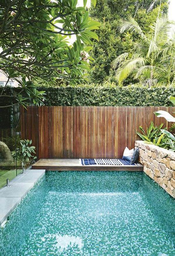 relaxing-reading-nook-in-pool-deck