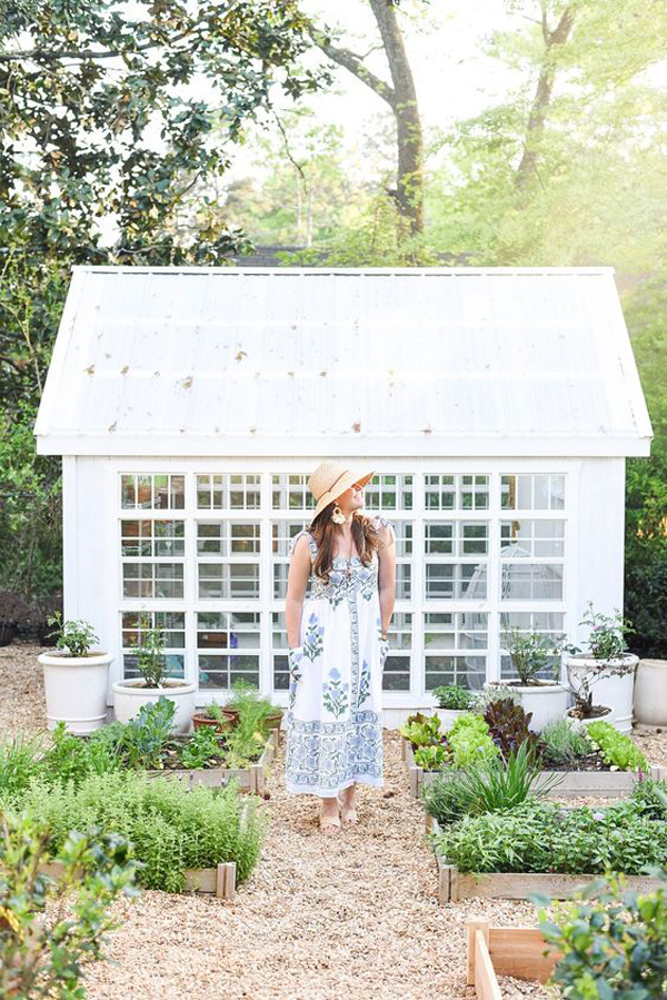 simply-white-greenhouse-design