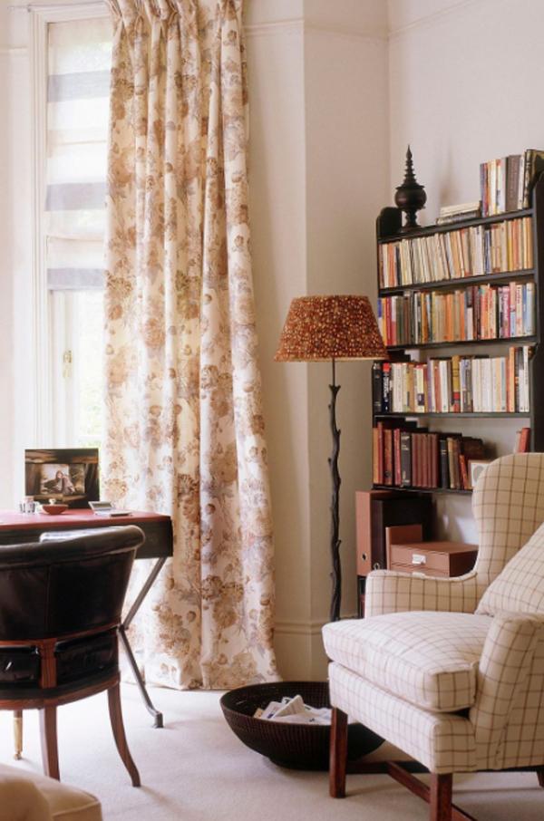 small-and-stylish-bookshelf-design