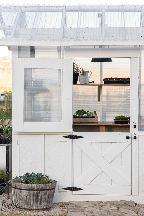 small-diy-greenhouse-design