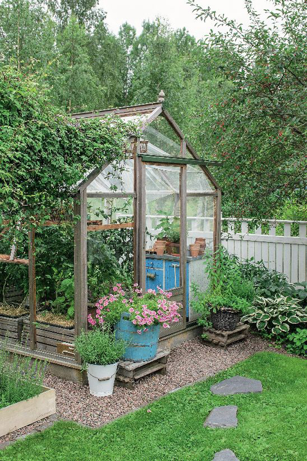 small-greenhouse-design-for-backyard