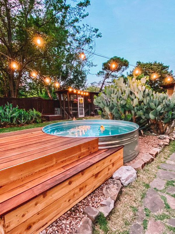 stock-tank-deck-pool-with-string-light