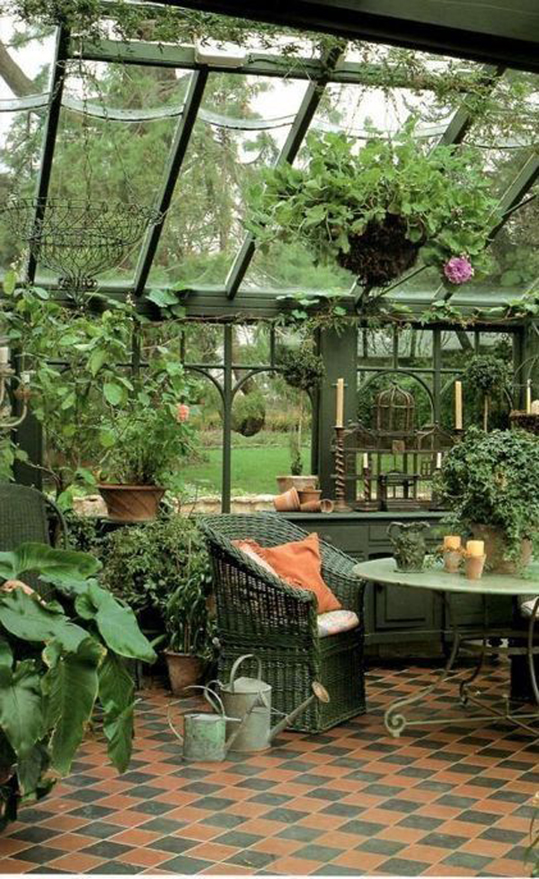vintage-greenhouse-with-living-space
