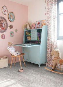vintage-study-desk-with-cabinet-design