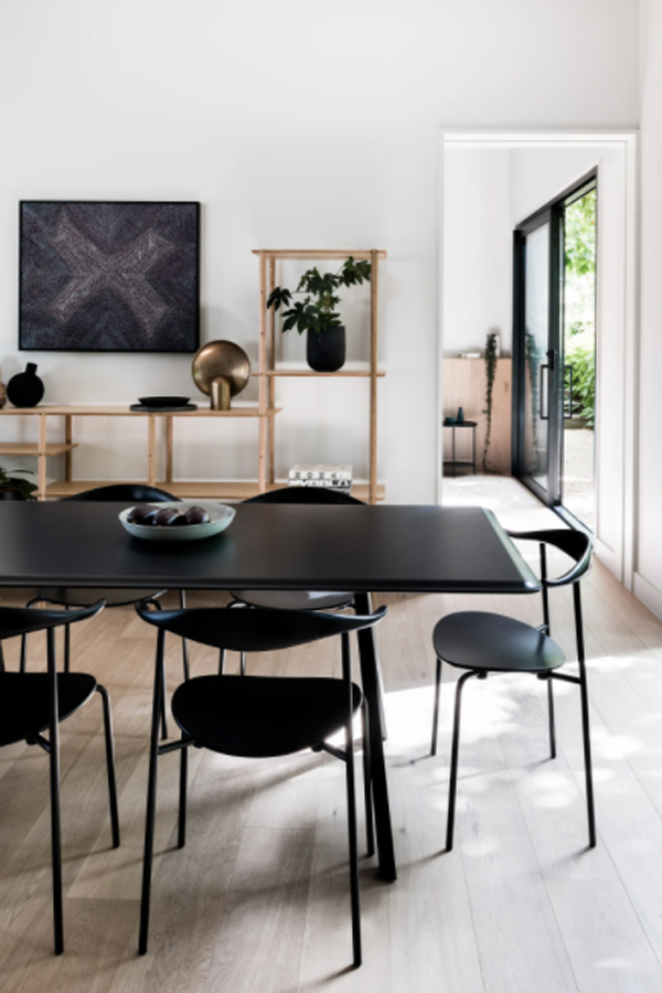 cool-black-dining-room-with-wood-element