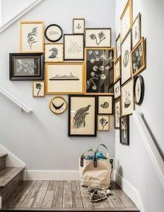 family-gallery-wall-in-staircase