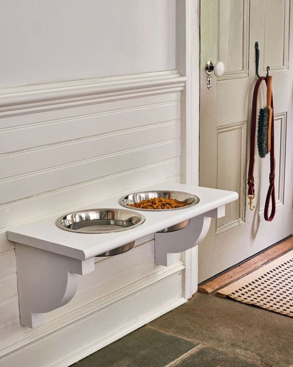 functional-diy-dog-feeding-station
