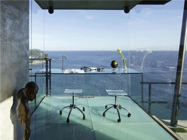 glass-home-office-with-beach-views