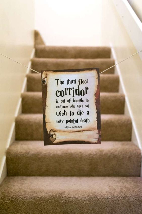 harry-potter-sign-ideas-in-the-stairs