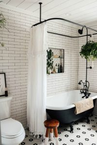 master-vintage-bathroom-with-claw-foot-tub