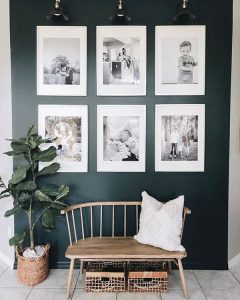 poster-gallery-photos-with-bold-walls