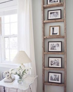 rustic-hanging-family-photo-wall-on-ladder