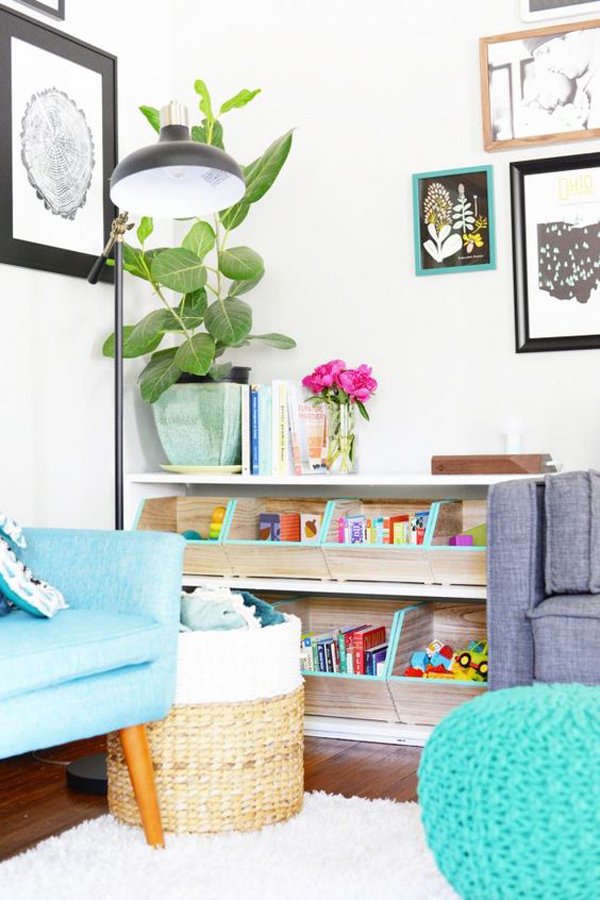 small-living-room-with-kid-reading-nook