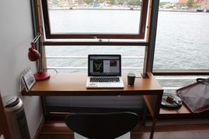 small-workspaces-with-beach-view
