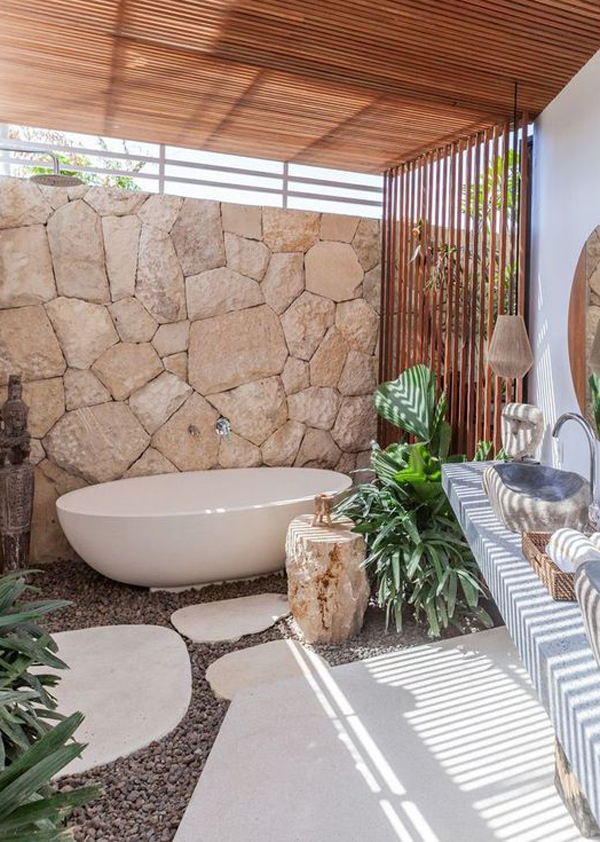 tropical-bathroom-design-with-pallet-decor