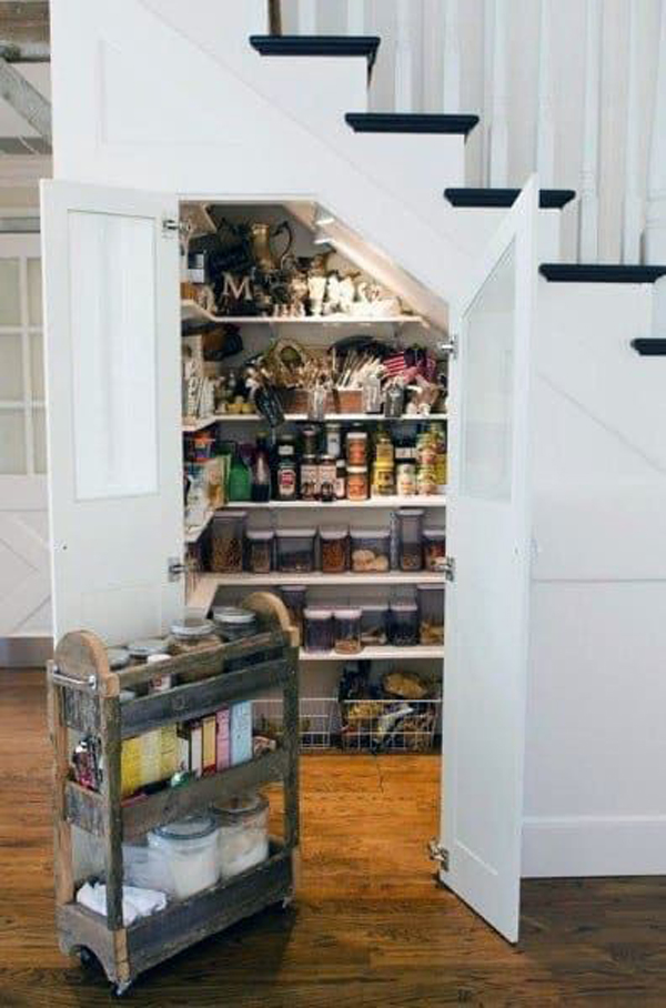 understairs-pantry-storage-ideas