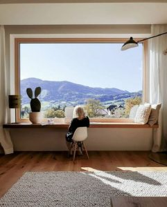 window-seat-with-workspaces-with-views