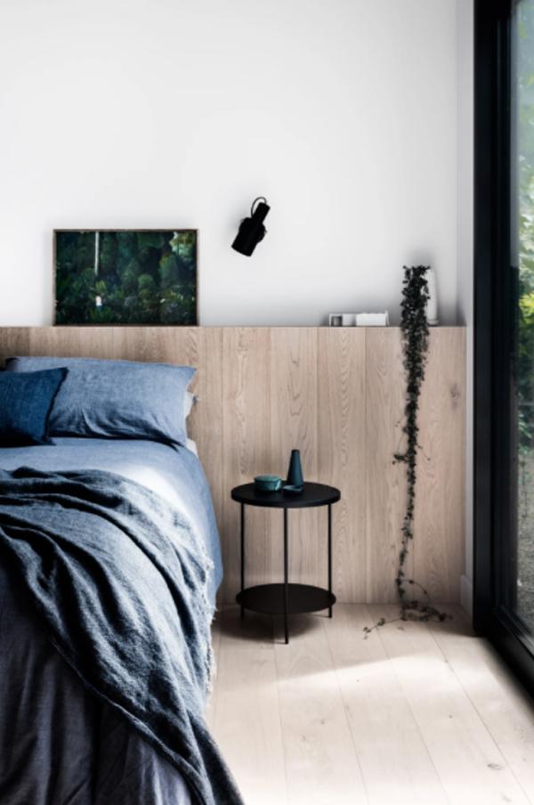 wood-guest-bedroom-design