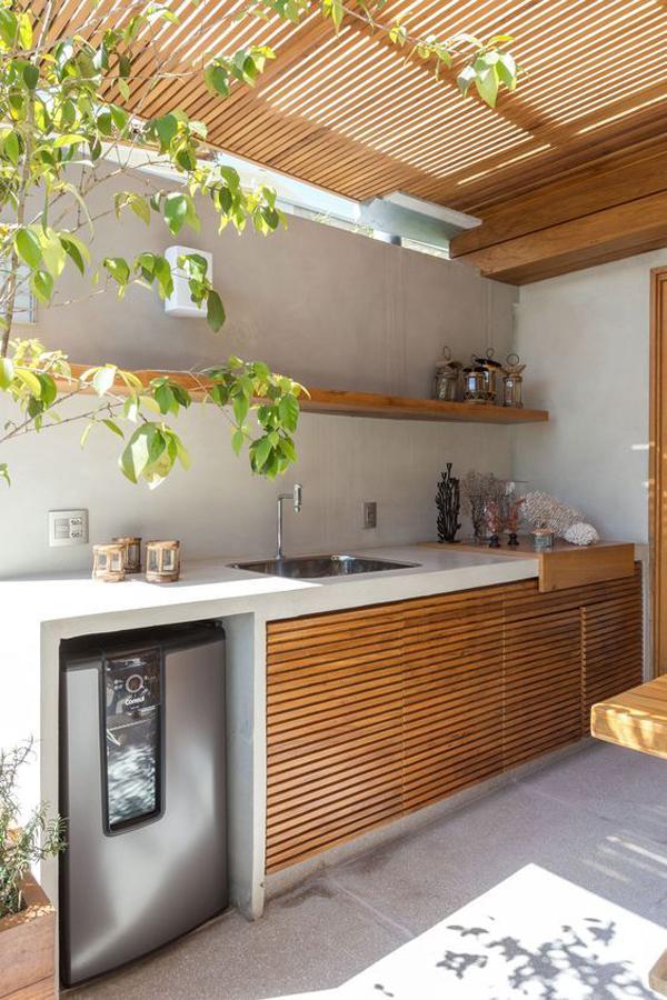 wood-open-kitchen-with-minimalist-decor